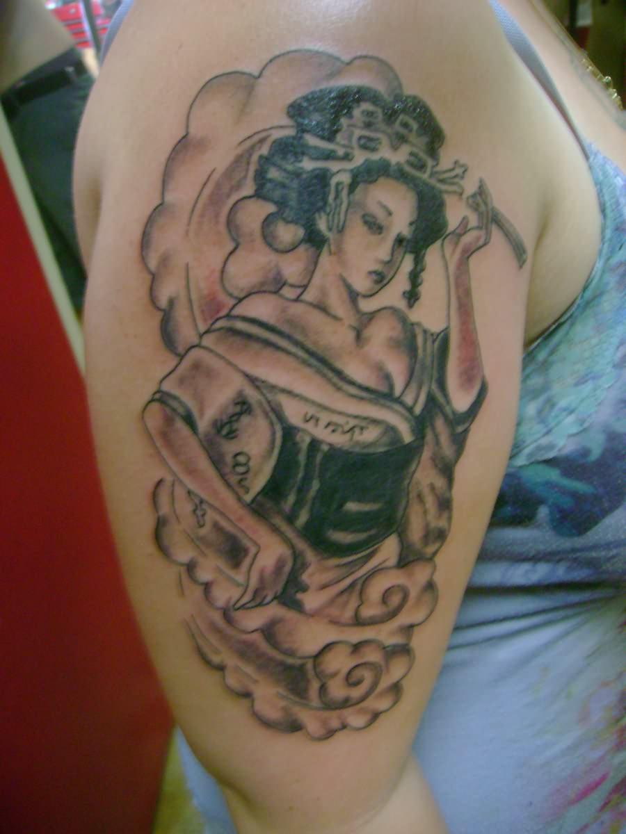 602973cd6ad09 Extreme Geisha Tattoo On Shoulder