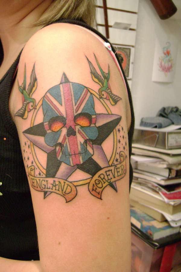 Girl skull tattoo for Female skull tattoos