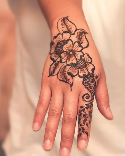 Com img src http www tattoostime com images 114 henna tattoo on