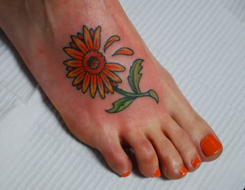 Amazing Daisy Tattoo On Foot