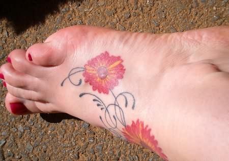 Daisy Flower Tattoo On Foot