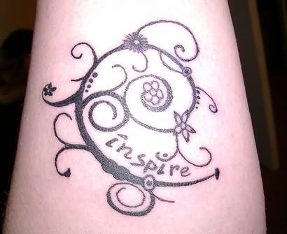 Pin bee vine flower tattoo leg tattoosso on pinterest for Flower vine tattoo images