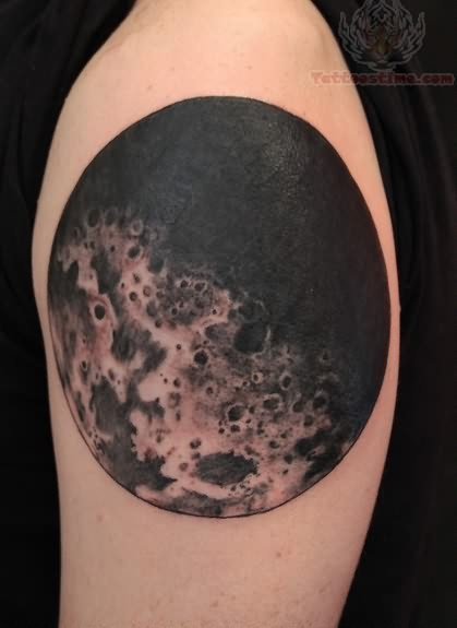 Moon Tattoo Designs For Girls