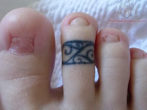 3e2e87728 Cute Ring Tattoo
