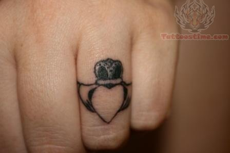 Claddagh ring tattoo on finger for Claddagh ring tattoo