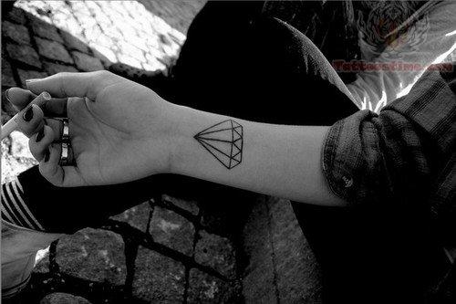 T t marzo 2014 for Black diamond tattoo la