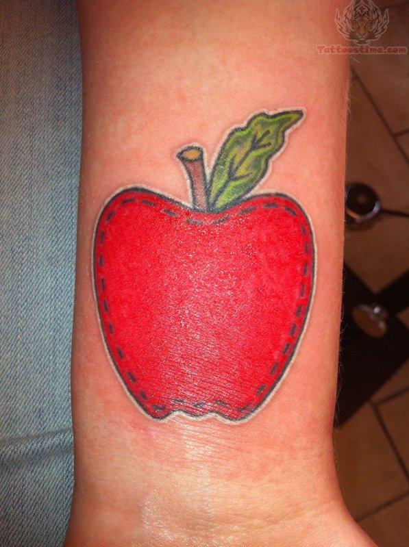 Apple Tattoos : Page 31