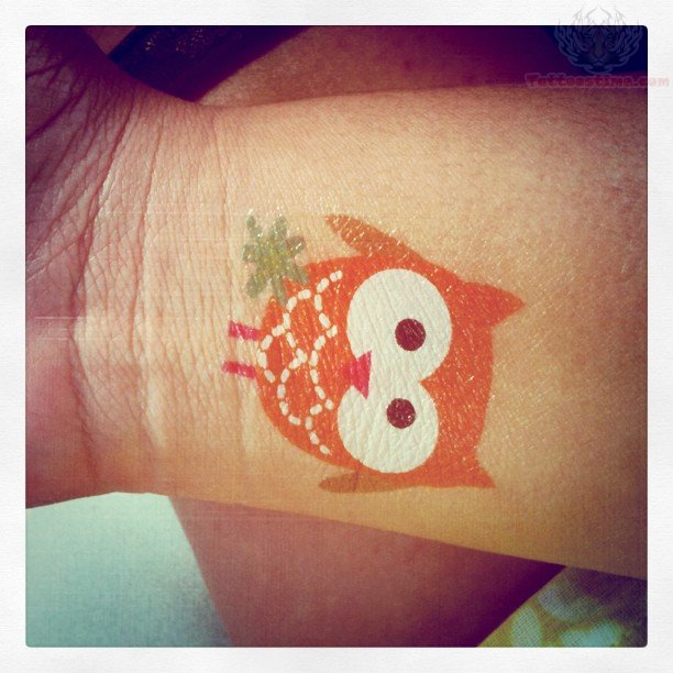 Small cute owl tattoos - photo#12