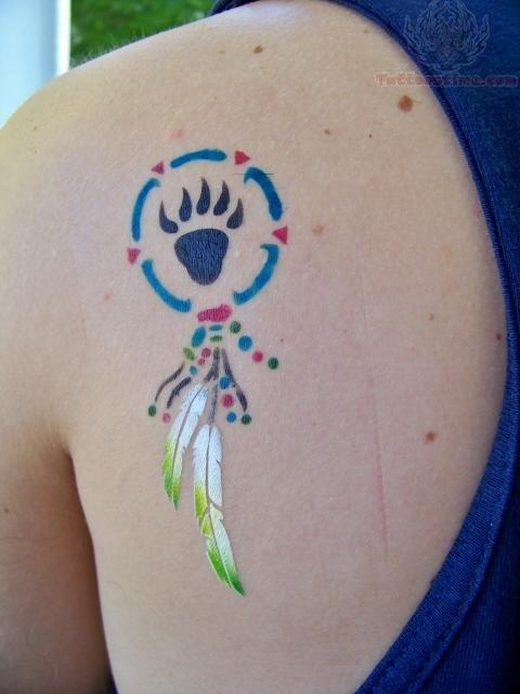 dreamcatcher bear paw print airbrush tattoo on back shoulder. Black Bedroom Furniture Sets. Home Design Ideas