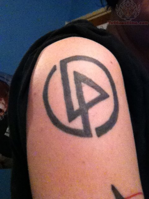 linkin park logo tattoo on men right shoulder. Black Bedroom Furniture Sets. Home Design Ideas
