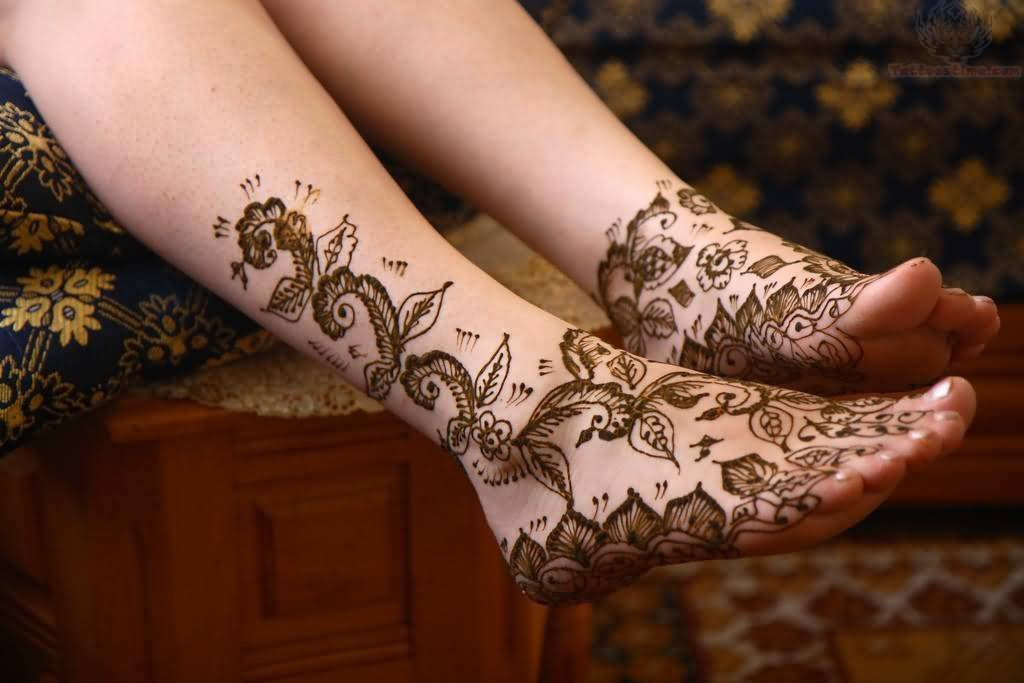 Mens Mehndi Tattoo : Foot henna paisley pattern tattoo for men