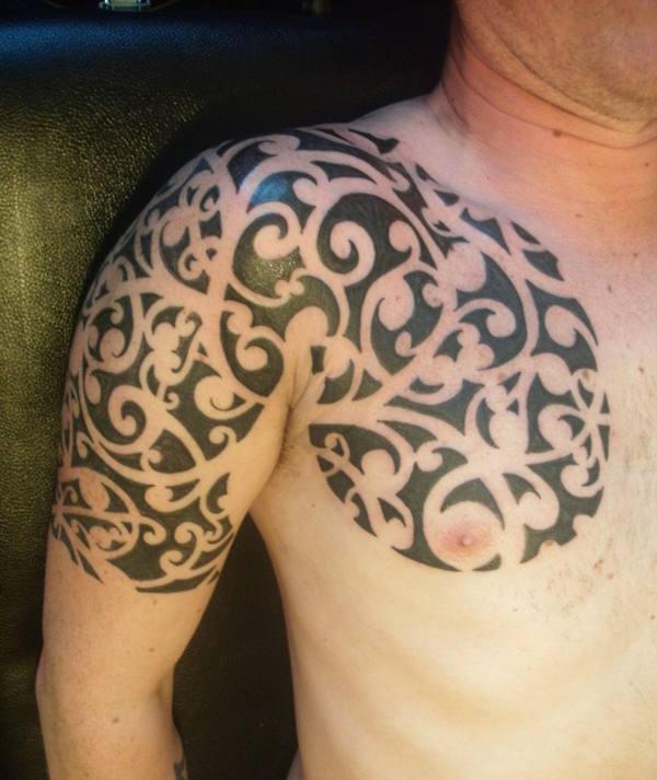 and tattoos tribal on chest shoulder Maori Tattoo Man On And Tribal Shoulder Chest