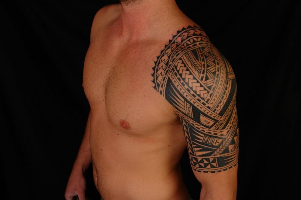 Mehndi Tattoo Half Sleeve : Amazing polynesian sleeve tattoo for men