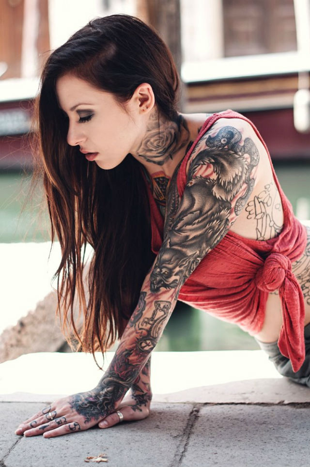 Beautiful girl with grey ink left sleeve tattoo for Tattoo sleeves girl