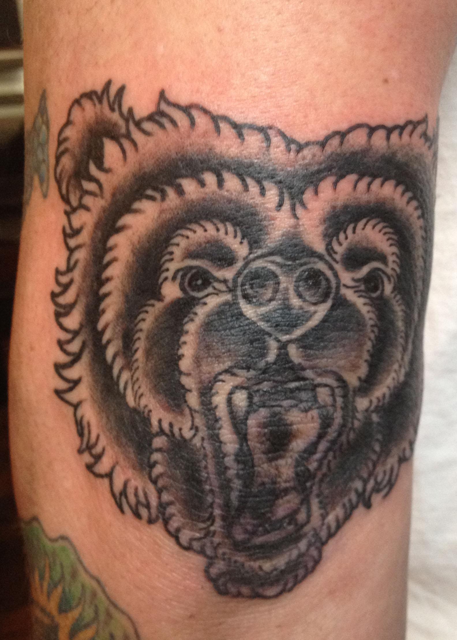 Ink Bear Head Elbow Ta...