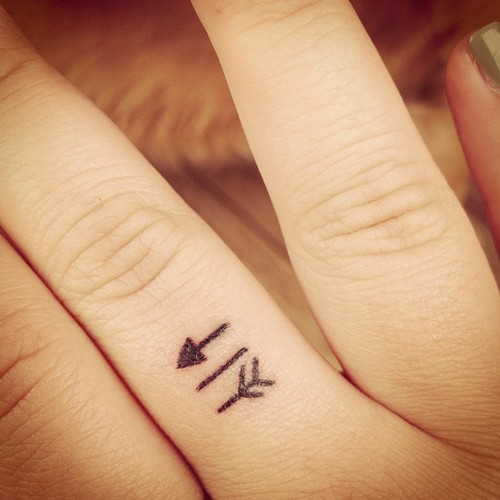 Arrow Finger Symbol Cute Arrow Finger Tattoos