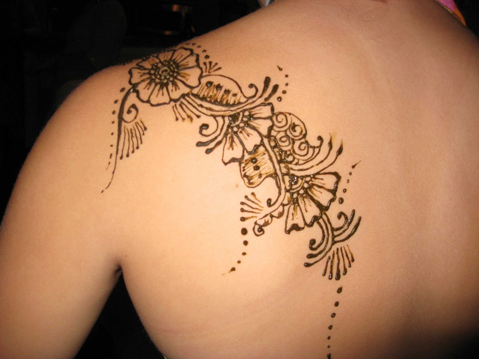 henna feminine tattoo on left back shoulder. Black Bedroom Furniture Sets. Home Design Ideas