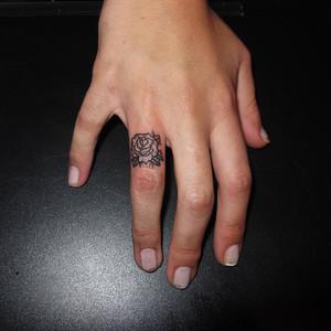 Finger Tattoo Images Amp Designs