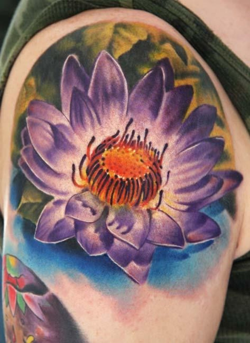 Beautiful Flower Tattoo On Right Shoulder