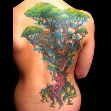 Miss Nico Lebensbaum Tattoo