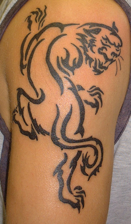 Outline Lion Tattoo On Shoulder Perhaps you'd even prefer a lion outline tattoo on your wrist, hand or bicep. tattoostime com