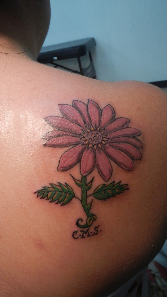 Color Daisy Tattoo: Color Daisy Flower Women Tattoo On Back Shoulder