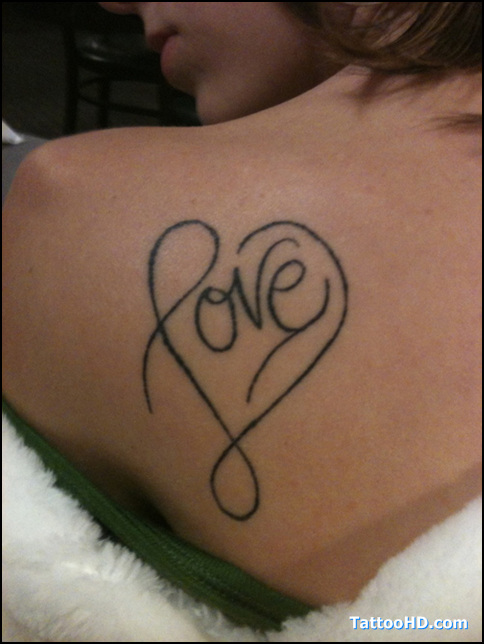 beautiful love heart tattoo on back shoulder. Black Bedroom Furniture Sets. Home Design Ideas