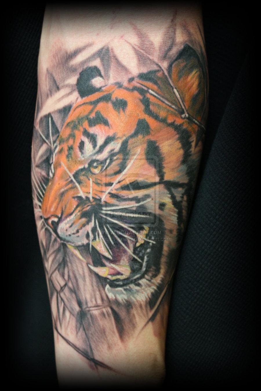 Цветная татуировка тигра фото