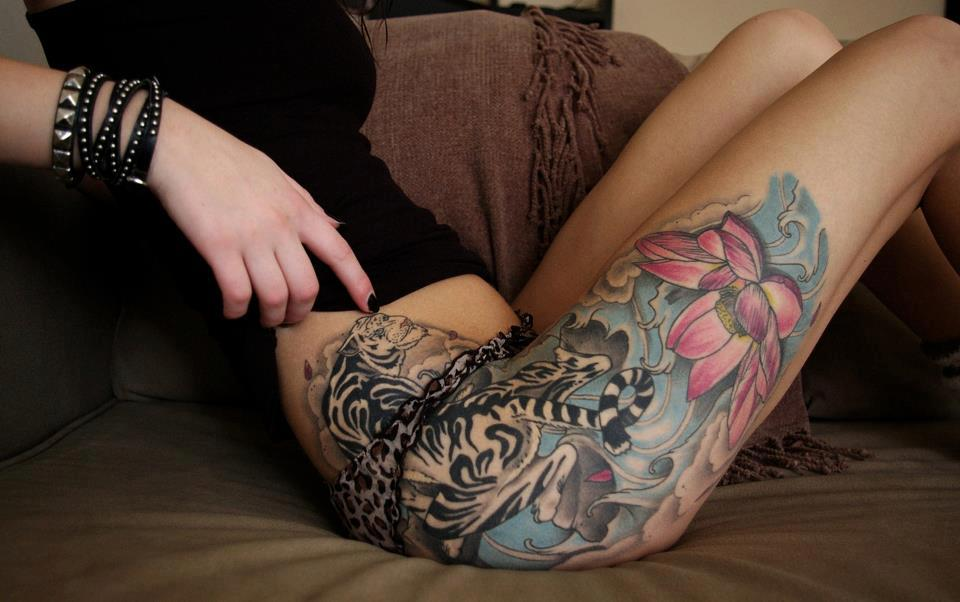 Flower Tattoos On Hip And Thigh