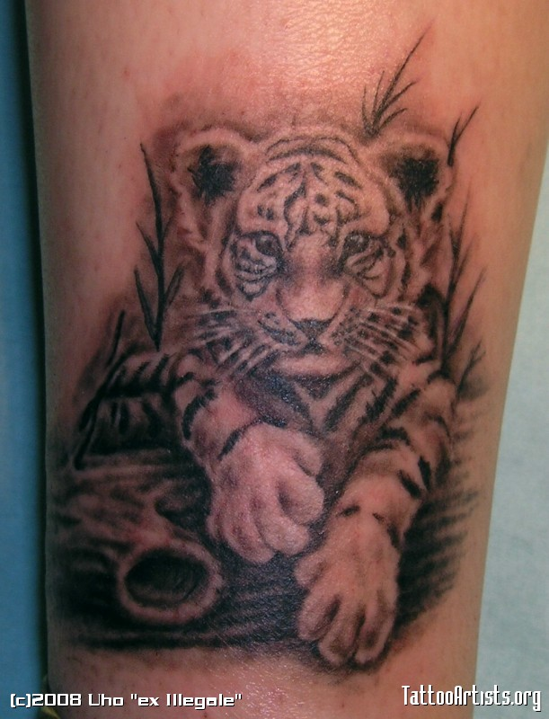 grey ink baby tiger tattoo on biceps. Black Bedroom Furniture Sets. Home Design Ideas