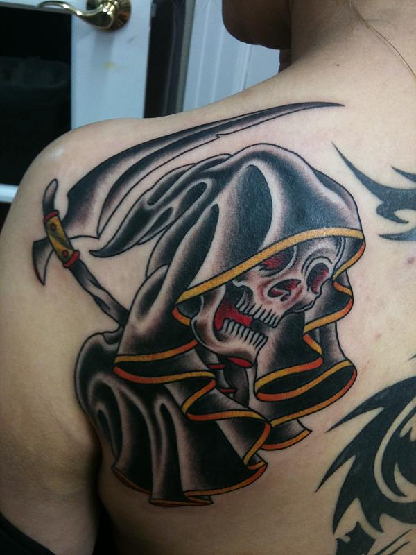 Black Ink Grim Reaper Tattoo On Left Back Shoulder