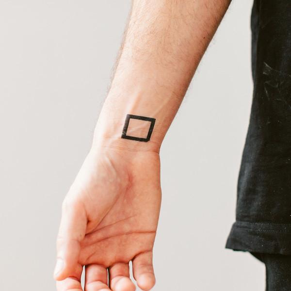 Geometric Wrist Tattoo: Geometric Tattoo Images & Designs