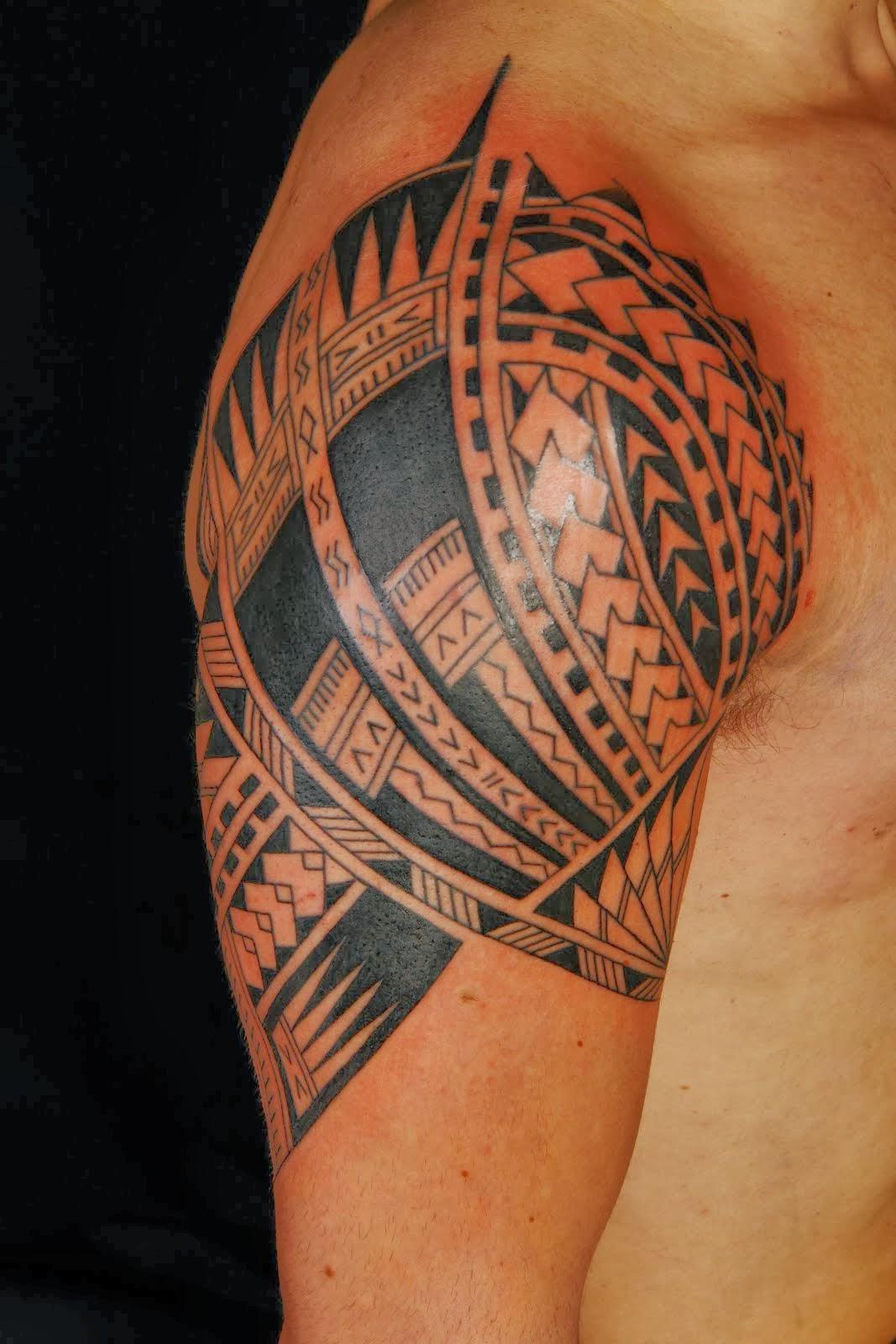 Grey Ink Tribal Hawaiian Tattoo On Man Right Shoulder