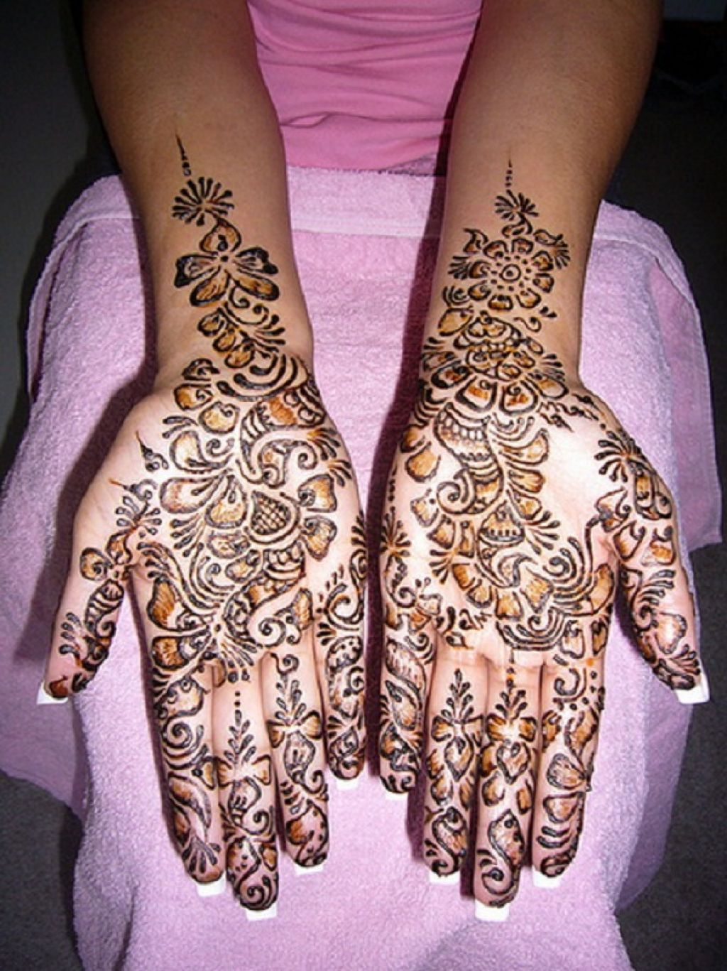 Henna Tattoo Designs For Ribs: Henna Tattoo Images & Designs