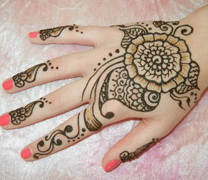 Beautiful Henna Tattoo Designs For Your Wrist: Henna Tattoo Images & Designs