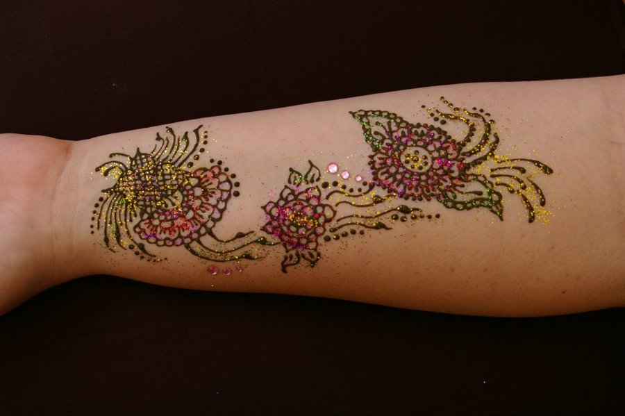 Colored Henna Tattoo: Henna Tattoo Images & Designs