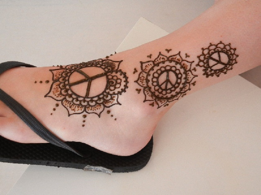 Mehndi Tattoo Flower Designs : Awful henna flowers tattoos on leg