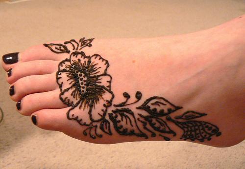 Best Henna Tattoo On Left Foot