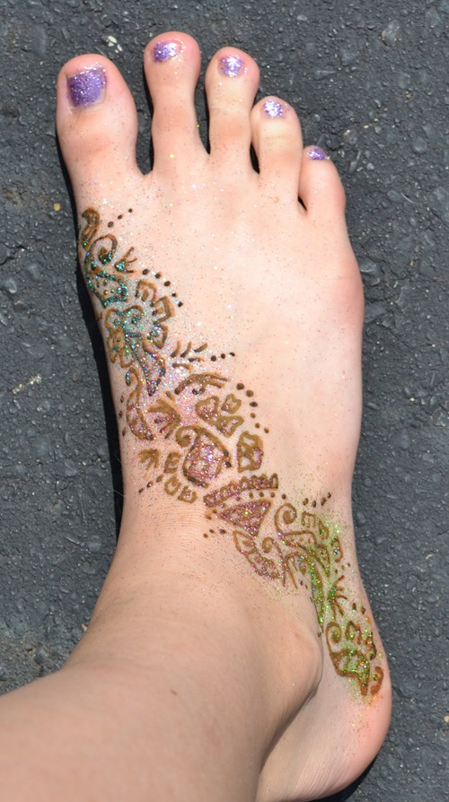 Henna Tattoo Coloring Pages Color Ink Henna Tattoo on Girl