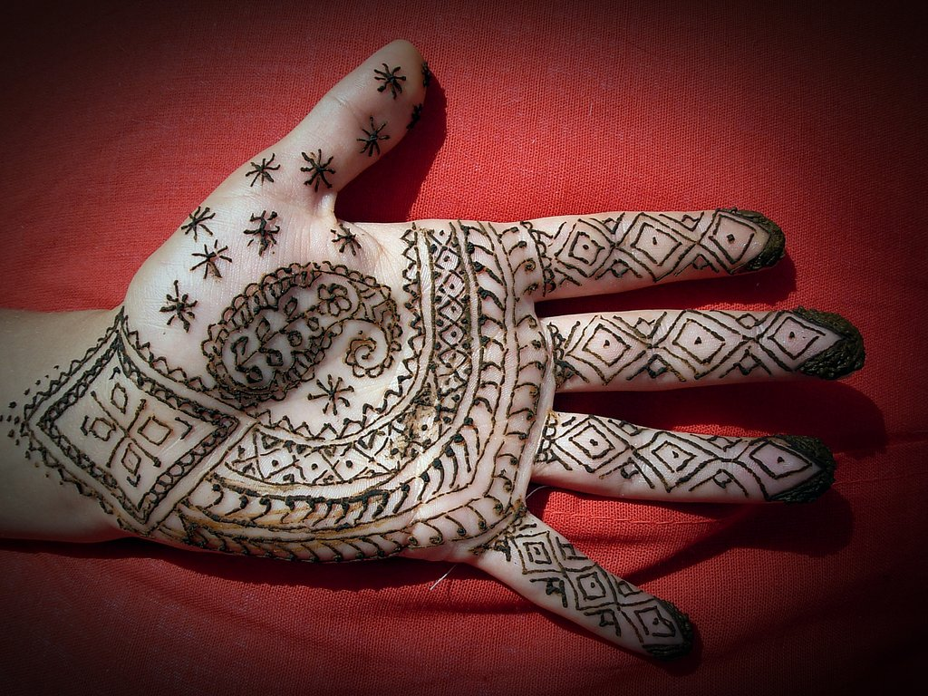 Cute Henna Tattoo Designs: Henna Tattoo Images & Designs