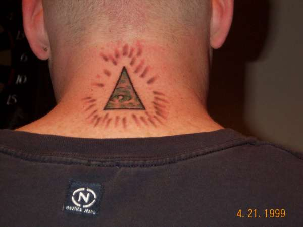 21 illuminati tattoo pictures to pin on pinterest tattooskid. Black Bedroom Furniture Sets. Home Design Ideas