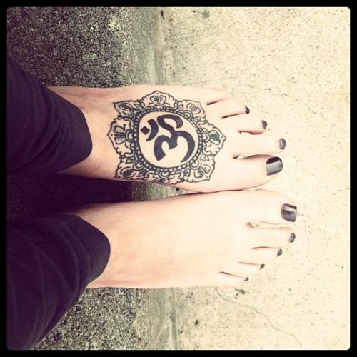 om mandala tattoo on left foot for girls. Black Bedroom Furniture Sets. Home Design Ideas