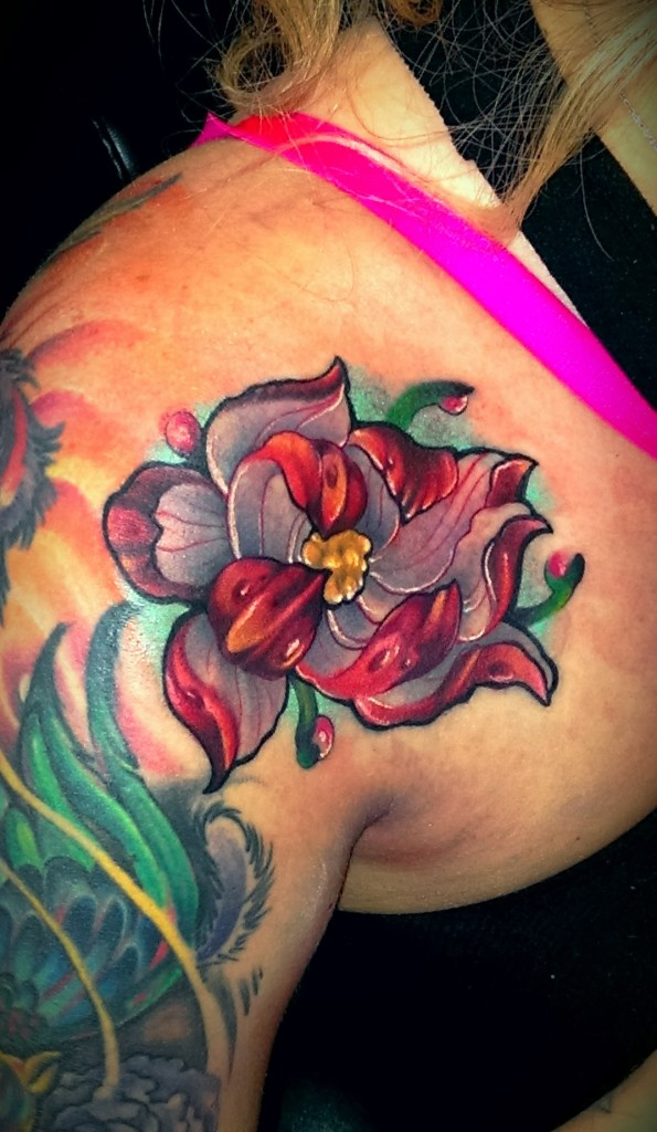 Lotus Tattoo Shoulder: Lotus Tattoo Images & Designs