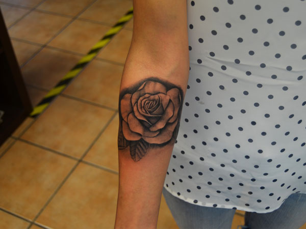 Rose tattoo images designs for Tattoos on right arm