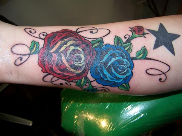 c8a62a0edc67a Red And Blue Rose Tattoos On Arm