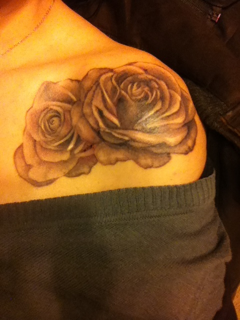 Gallery For gt Flower Tattoo On Front Of Shoulder