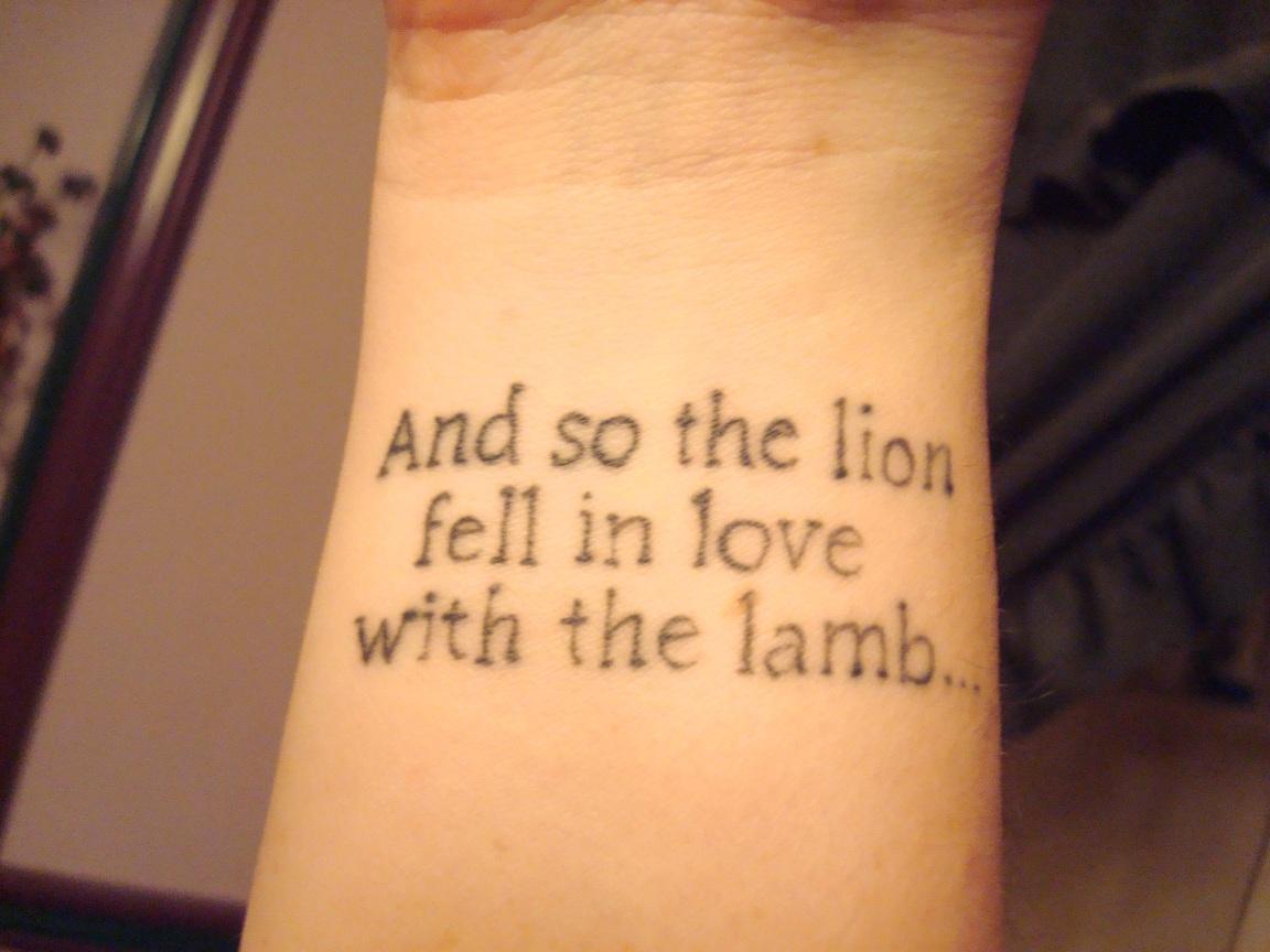 Татуировки с переводом: лучшие эскизы (фото) 20