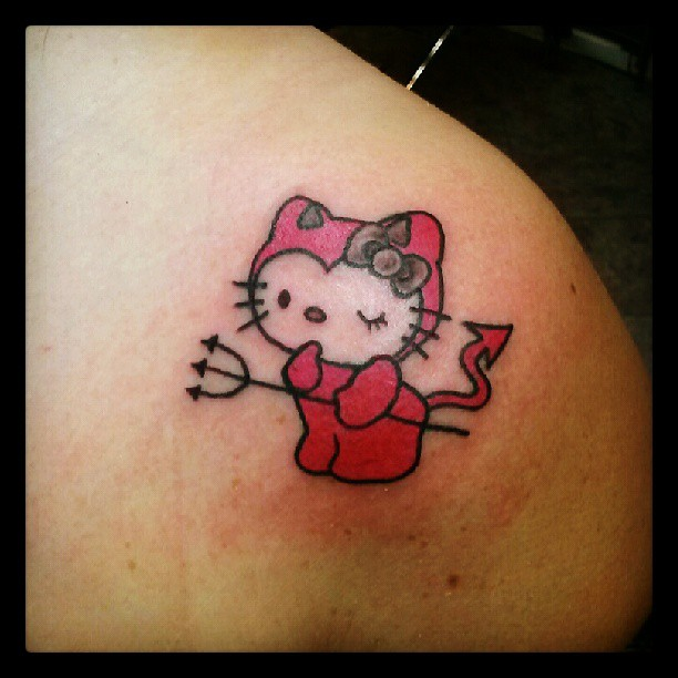 Kitty Tattoo Images & Designs