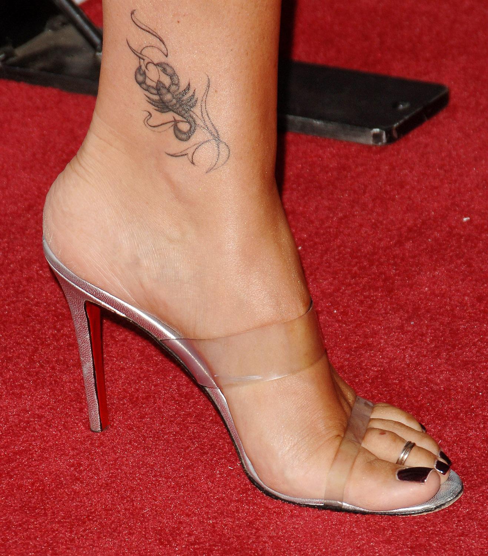 Татуировки на ступне, фото тату на стопе 67