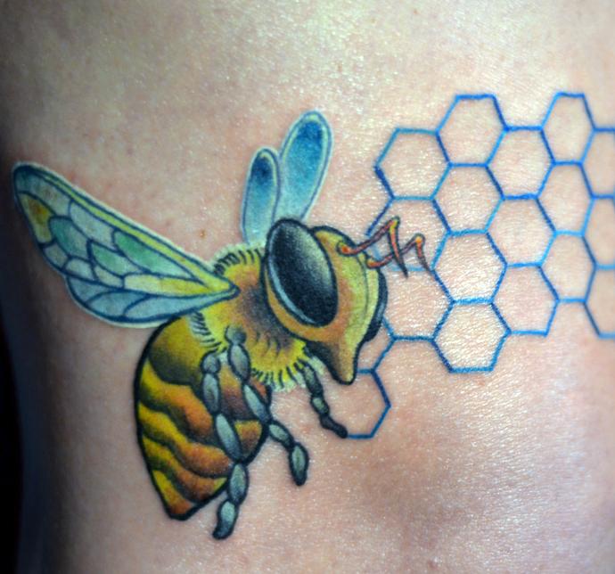 Honey Bee Tattoo Designs: Bee Tattoo Images & Designs